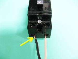 配線用遮断器極性